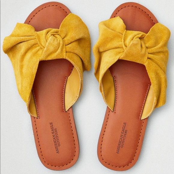 6d20d11f74a7 American Eagle Outfitters Women Bow Front Sandals